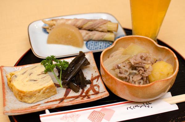 竹の子肉巻き・玉子焼き、キャラブキ、もずく(提供メニューは一部写真と異なる場合がございます)