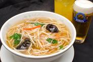 豆芽湯麺(もやしラーメン)
