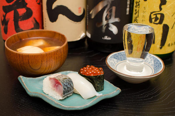 寿司とお椀