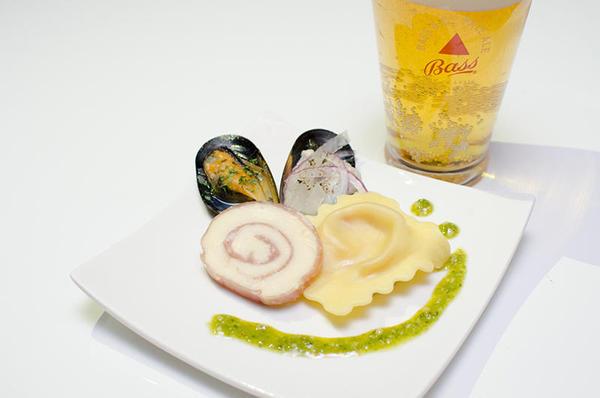 ムール貝の入ったスペシャルピンチョス