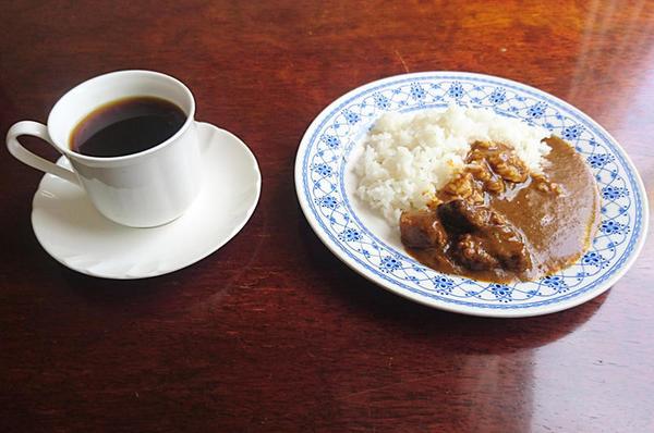特製ビーフカレー(ハーフ)+ドリンク(コーヒーなど)