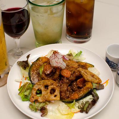 豚肉と野菜のカリカリ揚げ
