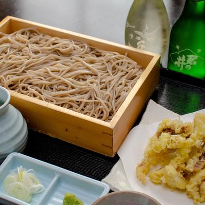 プラス300円で佐七のそばが食べられます