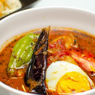夏野菜のスープカレーと素麺サラダ